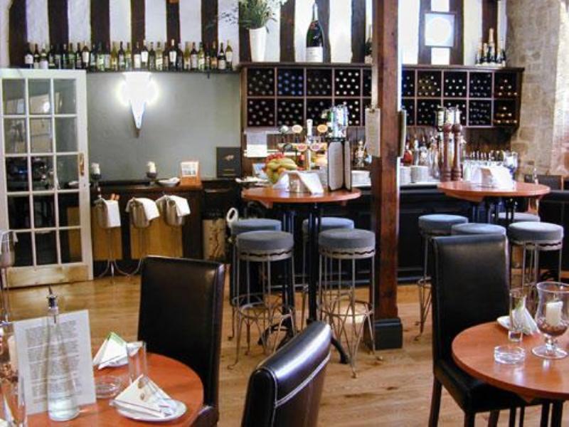 Angel and Royal Hotel - Bar