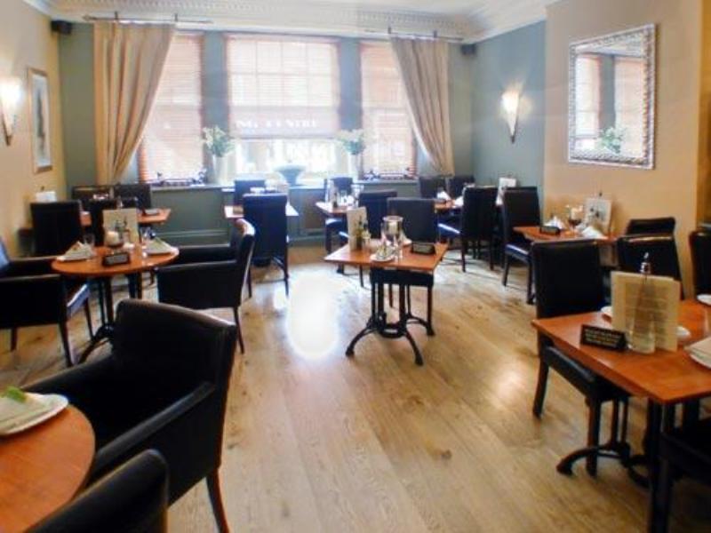 Angel and Royal Hotel - Restaurant