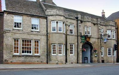 Angel & Royal Hotel, Berties Bistro