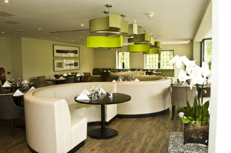 Hogarths Hotel & Restaurant