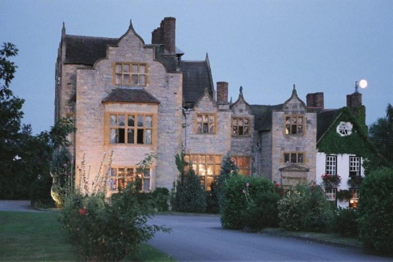 Salford Hall Hotel & Restaurant