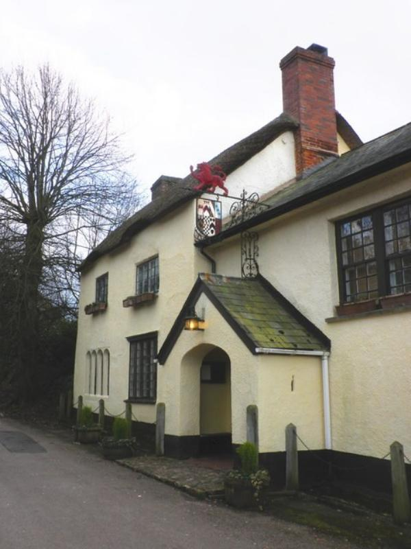 The Drew Arms, Broadhembury.  ---- © Copyright Roger Cornfoot and licensed for reuse under this Creative Commons Licence: http://creativecommons.org/licenses/by-sa/2.0/ and http://www.geograph.org.uk/profile/8800