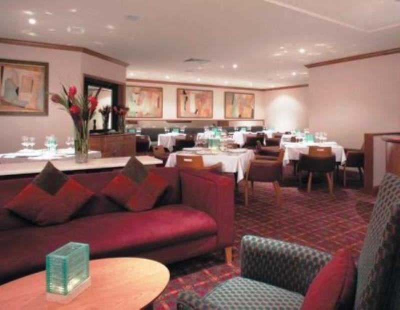 Vespers Restaurant, Apollo Hotel