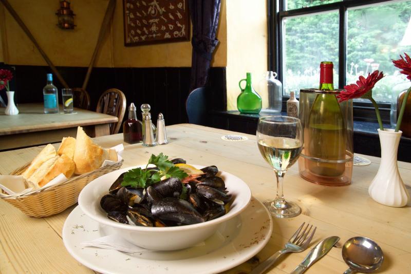 The New Inn, Gastro pub restaurant, Shalfleet, Newport, Isle of Wight, Hampshire
