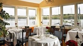 Trident Hotel, Pier One Restaurant