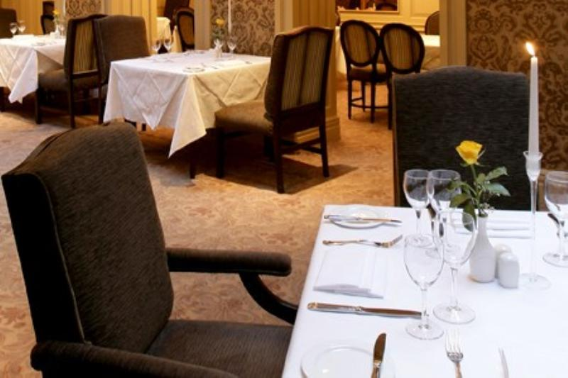 Buswells Hotel, Trumans Restaurant
