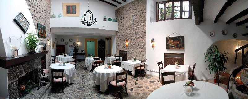E sa pedrissa italian restaurant deia mallorca for Restaurante jardin mallorca