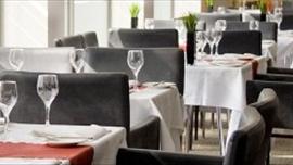 Metro Bar and Brasserie, Apex International Hotel