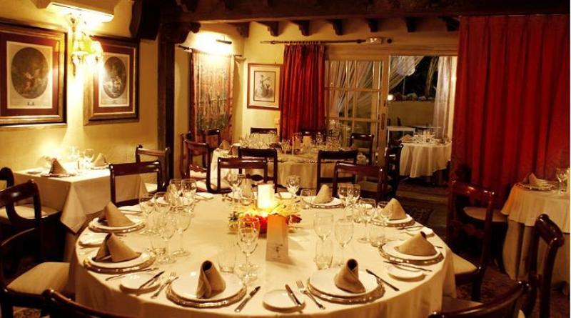 Mesa, Finca Besaya Restaurante, Marbella, Málaga