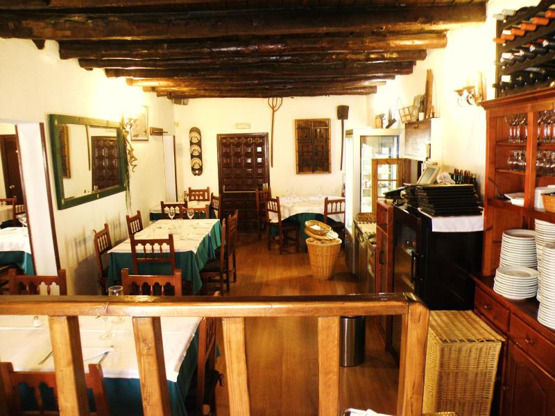 Interior, La Choza del Segoviano, Madrid, España