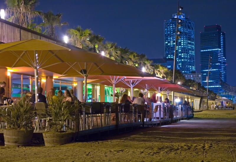 Exterior, noche, Sal Cafe, Passeig Marítim de la Barceloneta, Barcelona