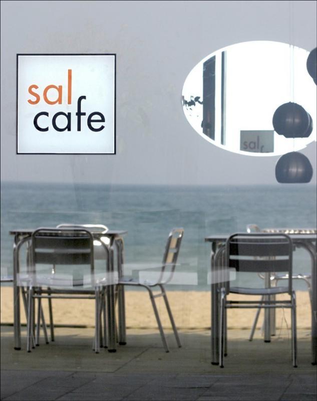 Logo, Sal Cafe, Passeig Marítim de la Barceloneta, Barcelona