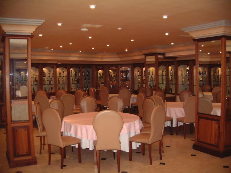 Interior, Restaurante Santiago, Marbella, Spain