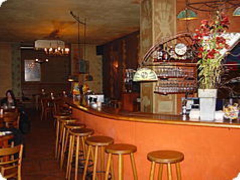 Bar, Frida Kahlo, Berlin