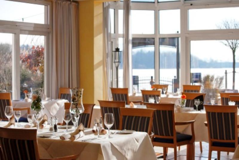 Restaurant Rivage im Seehotel Niedernberg, Dorf am See, Leerweg