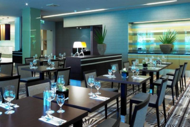 Riverside Restaurant im Swiss�tel D�sseldorf/Neuss, Rheinallee