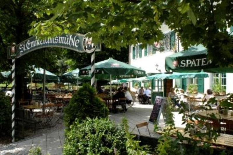 Beergarden, Restaurant St. Emmeramsmühle, Munich