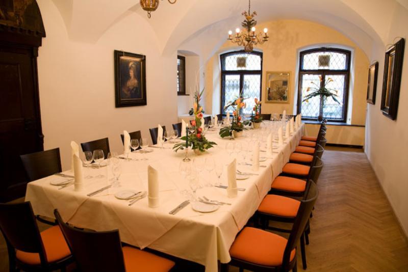 Dining area, Restaurant Weinhaus Neuner, Munich