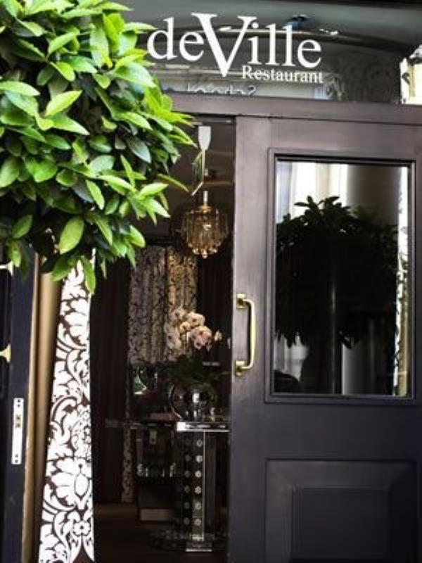 The Mandeville Hotel, deVille Restaurant