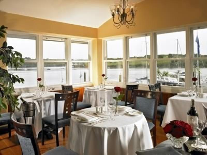 Trident Hotel, Savannah Restaurant