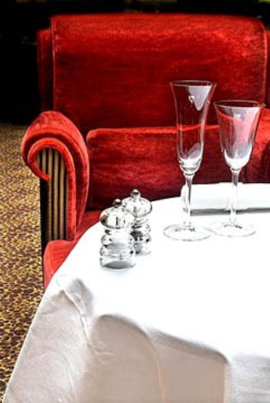 L'Hotel, Le Restaurant