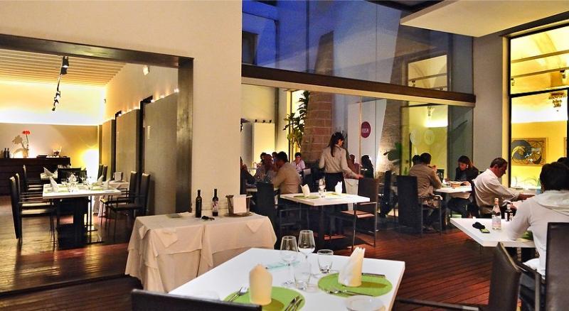 Simply Fosh Restaurant