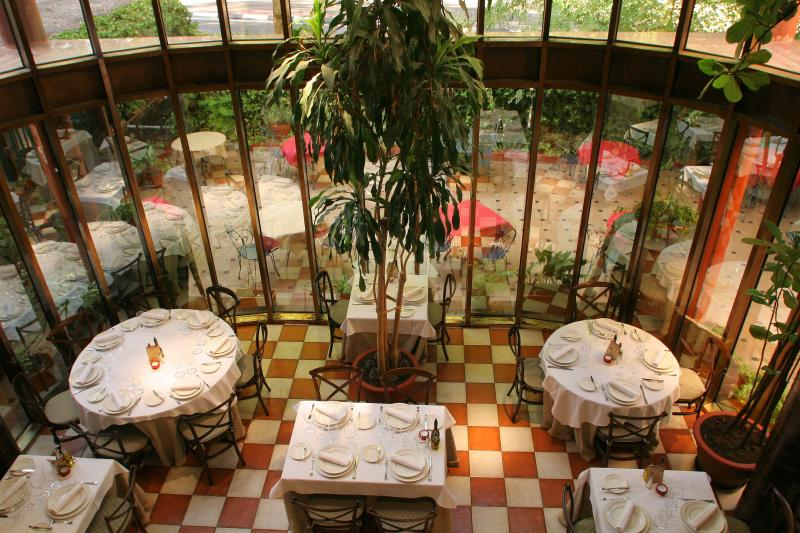 Interior, Nicomedes, Madrid, España