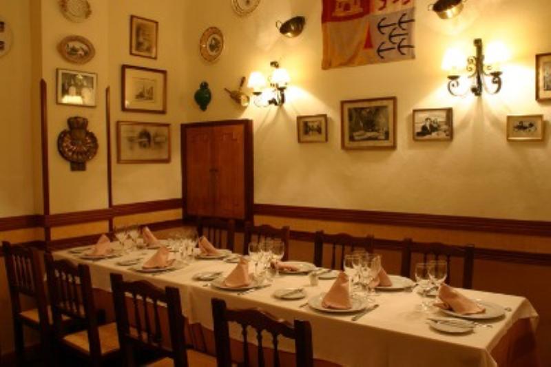 Interior, Restaurante La Barraca, Madrid, Spain