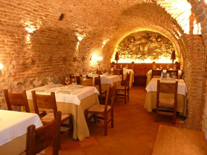 Interior, La Taberna del Capitán Alatriste, Madrid, España