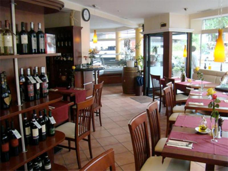 Main Dining Area, Aldo Genovese,