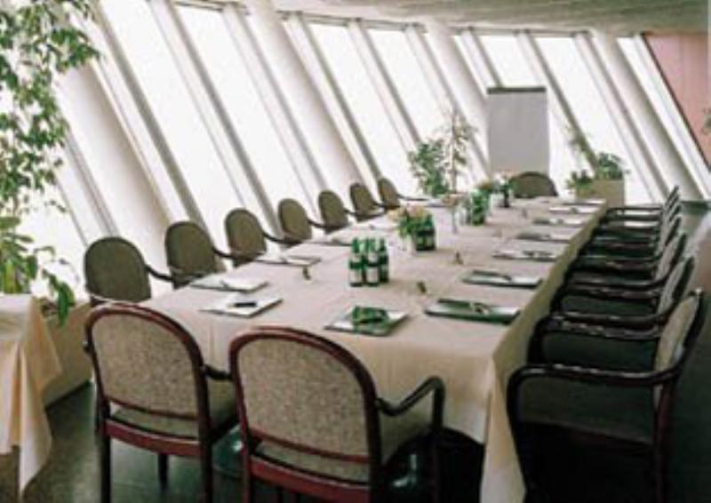 Günnewig Rheinturm Restaurant Top 180, Düsseldorf