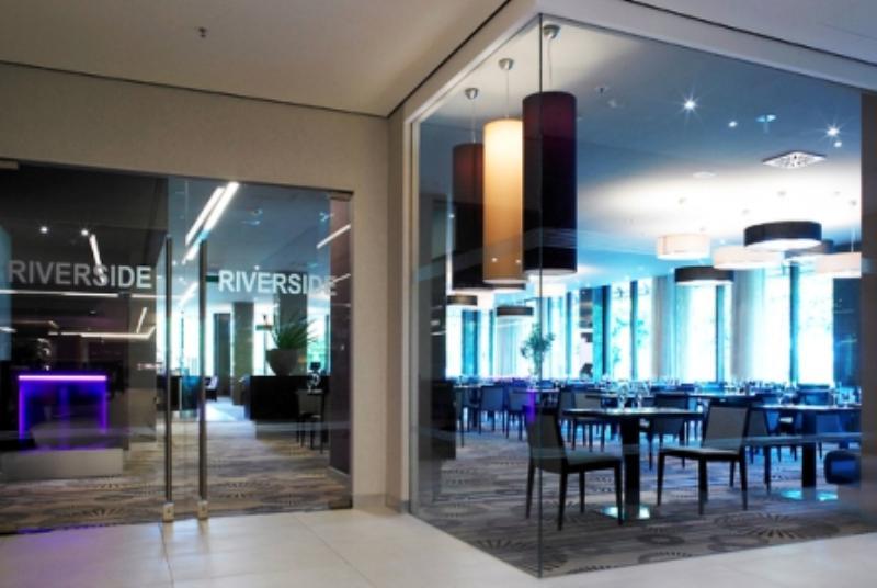 Riverside Restaurant im Swissôtel Düsseldorf/Neuss, Rheinallee