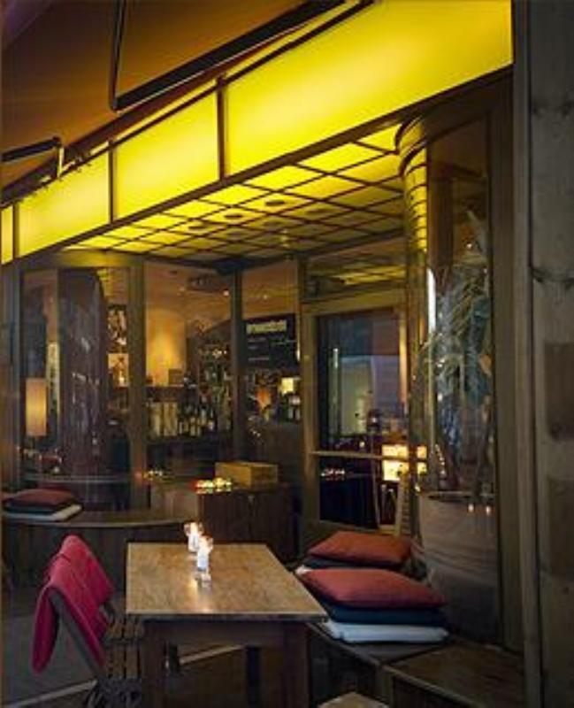 Outdoor dining area, Berlin