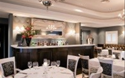 The Willow Room at The Bull